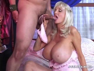 Dee deluxx tube dee Porn