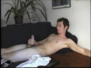 Amateur Logan Cums Hard