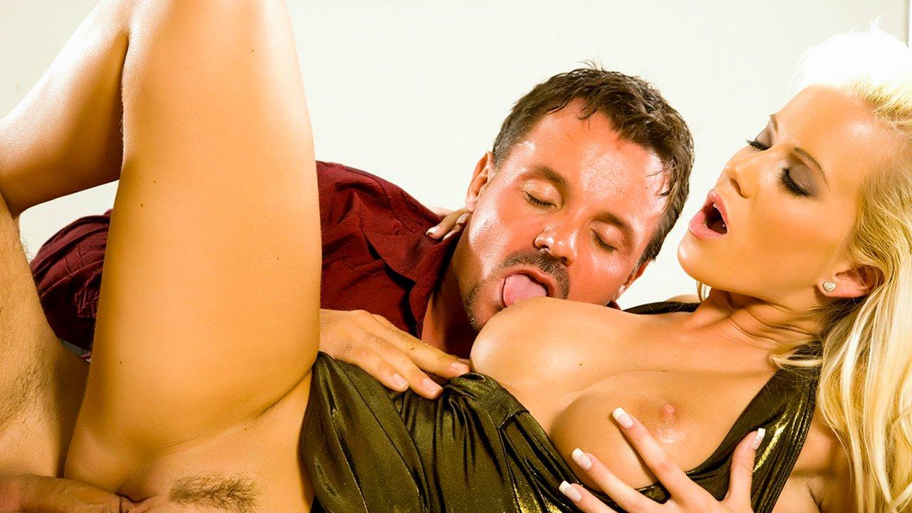 porno-i-seks-evropi-foto-lyubitelskogo-porno-umelie-ruchki