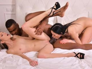 Boss Sasha Rose Gets a BBC and a Clam Bump from Co