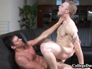 College Dudes - Brandon Rose fucks Cole Gartner
