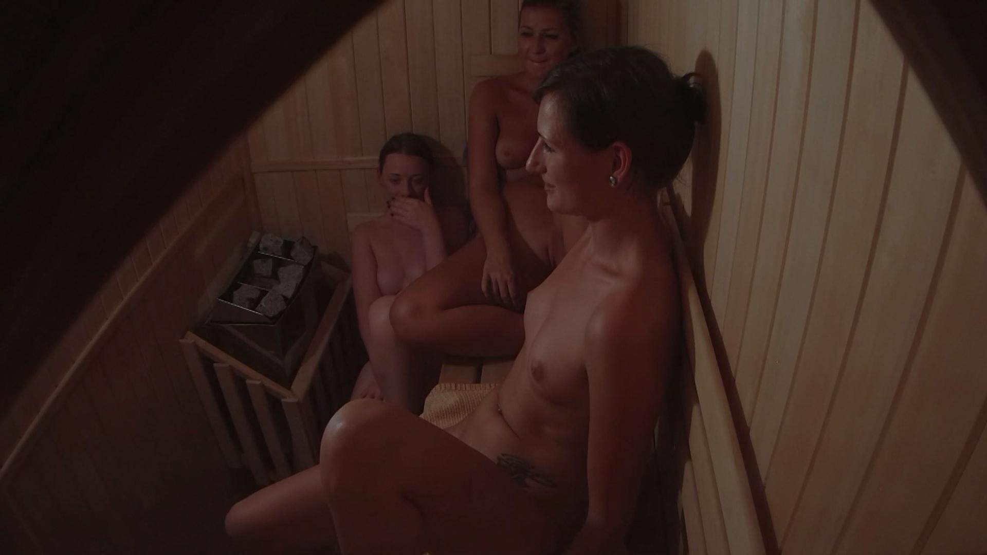 Скрытые камеры в сауне порно
