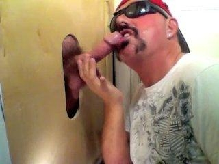 Gloryhole Fan Returns For Another Suck Off