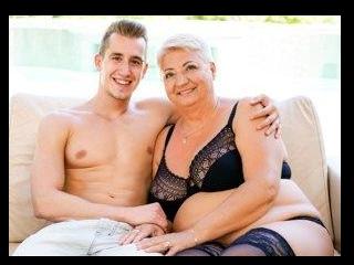 Lusty Granny\'s Poolside Fuck