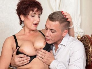 Jessica Hot gets some good boob lovin\'