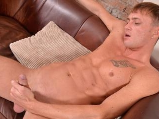 Leo Strokes Out A Hot Load - Leo D\'cartier