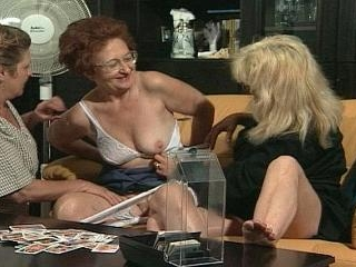 This older women like touch her old wet pussies