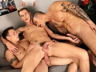 Dick & Tom double-fuck brit-boy Connor Levi &a