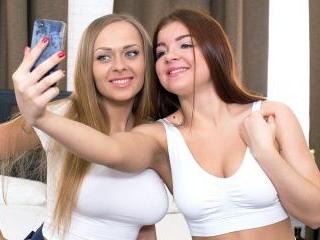 Teens Katarina Muti & Renata Fox Have an Anal Thre