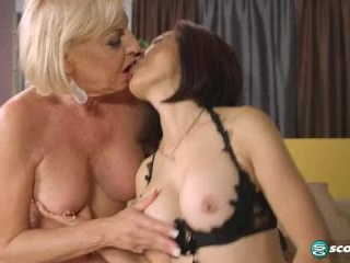 Kim Anh and  Scarlet Andrews