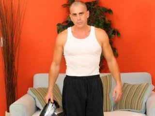 Handsome cam model shows his athletic bod