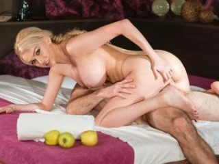 Big Tits MILF Gets Massage Creampie