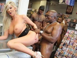 Blacks On Blondes - Lexi Lowe