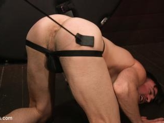 Muscle Daddy Dale Savage Punishes Big-Dicked Mason