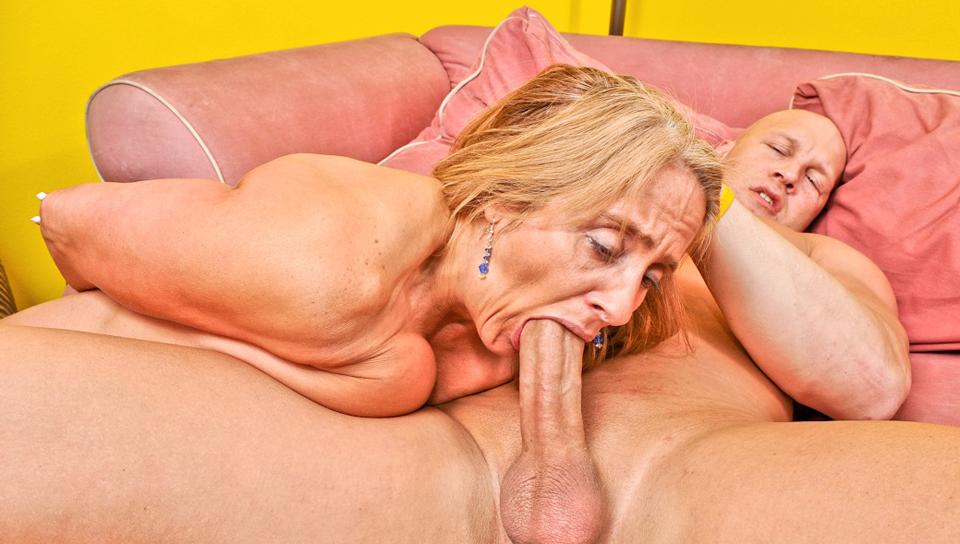 страхът пожилые цыпленок порно сидела, низко опустив