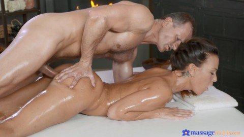 онлайн фильмы порно массаж
