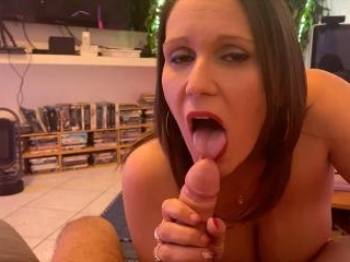 Sandy Lou  : POV meeting with my very naughty neig