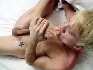 Fit Boy Jordan Tastes His Feet - Jordan Ashton