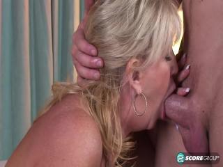 Anneke gets anal