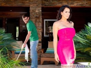 My Friend\'s Hot Mom - Reagan Foxx & Logan Long