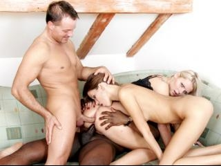 Mia Angel and Silvie De Lux find a well-hung playm