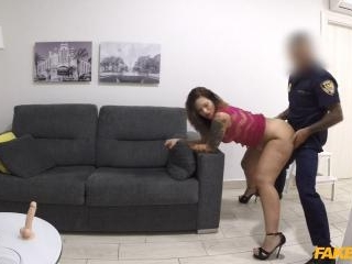 Hot Web Cam Model Performs for Cop