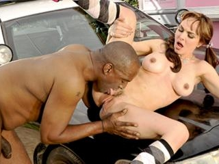 White slut bribes black cop with her pussy