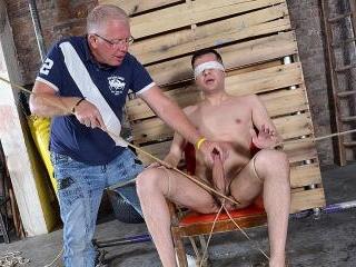 Hung New Arrival Mason Gets Stroked - Mason Madiso