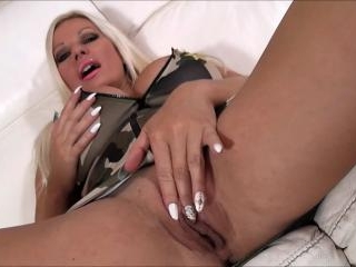 Michelle Thorne Is The Biggest-Titted Command-ho