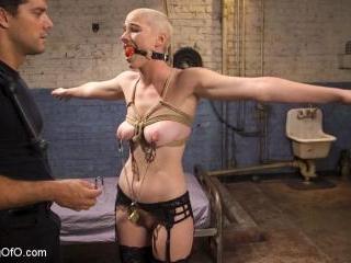 Slave Training Gorgeous Newbie: Riley Nixon