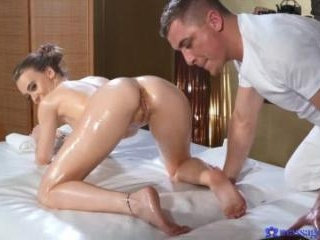 Horny Oiled British Woman Squirting