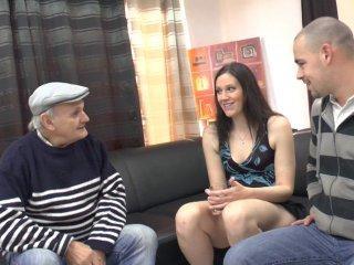 Lana rencontre papy pour la première fois!