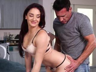Sheena Ryder Shares Her Bed With A Stranger