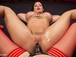 Make That Dick Disappear: Bombshell Christina Cart