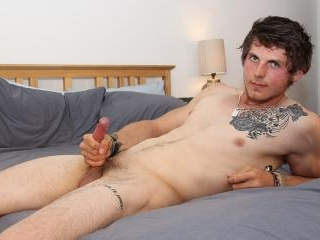 Straight Boy Tom Wanks One Out - Tom Evans