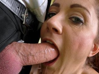 SubSlut Leia Organa Is Addicted To Submission