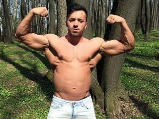AlexHunk Showing Off His Muscles