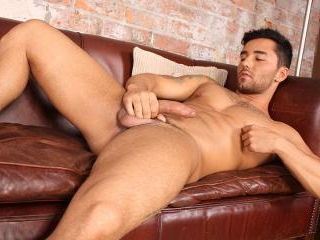 Brazilian Hunk Bruno Strokes It - Bruno Bernal