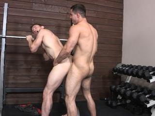 Randy & Dennis: Bareback