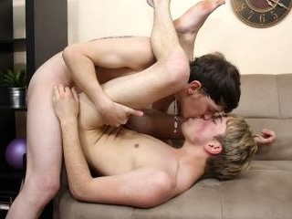 JR Gets His First Bare Twinks Fuck! - Andy Kay And