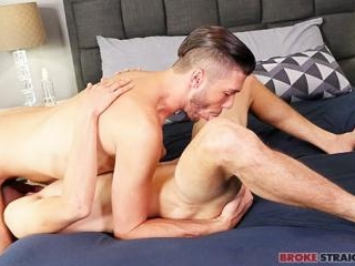 Justin Takes Jared\'s Tight Ass Raw