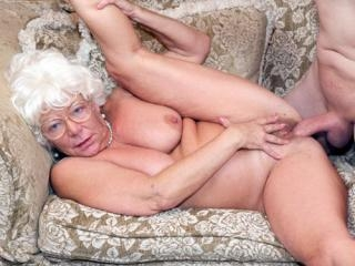 Karen Summer - This Ain\'t The Golden Girls XXX