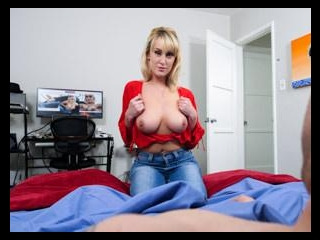 Busty Mom Pictures