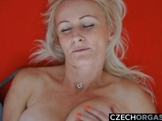 Dream MILF Reached Intense Orgasm