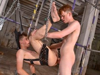 Johnny Gets A Seeing To - Johnny Polak & Leo Ocean