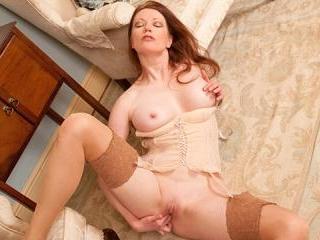 Horny housewife fucks her dildo
