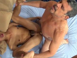 Daddy Barebacks Andrew