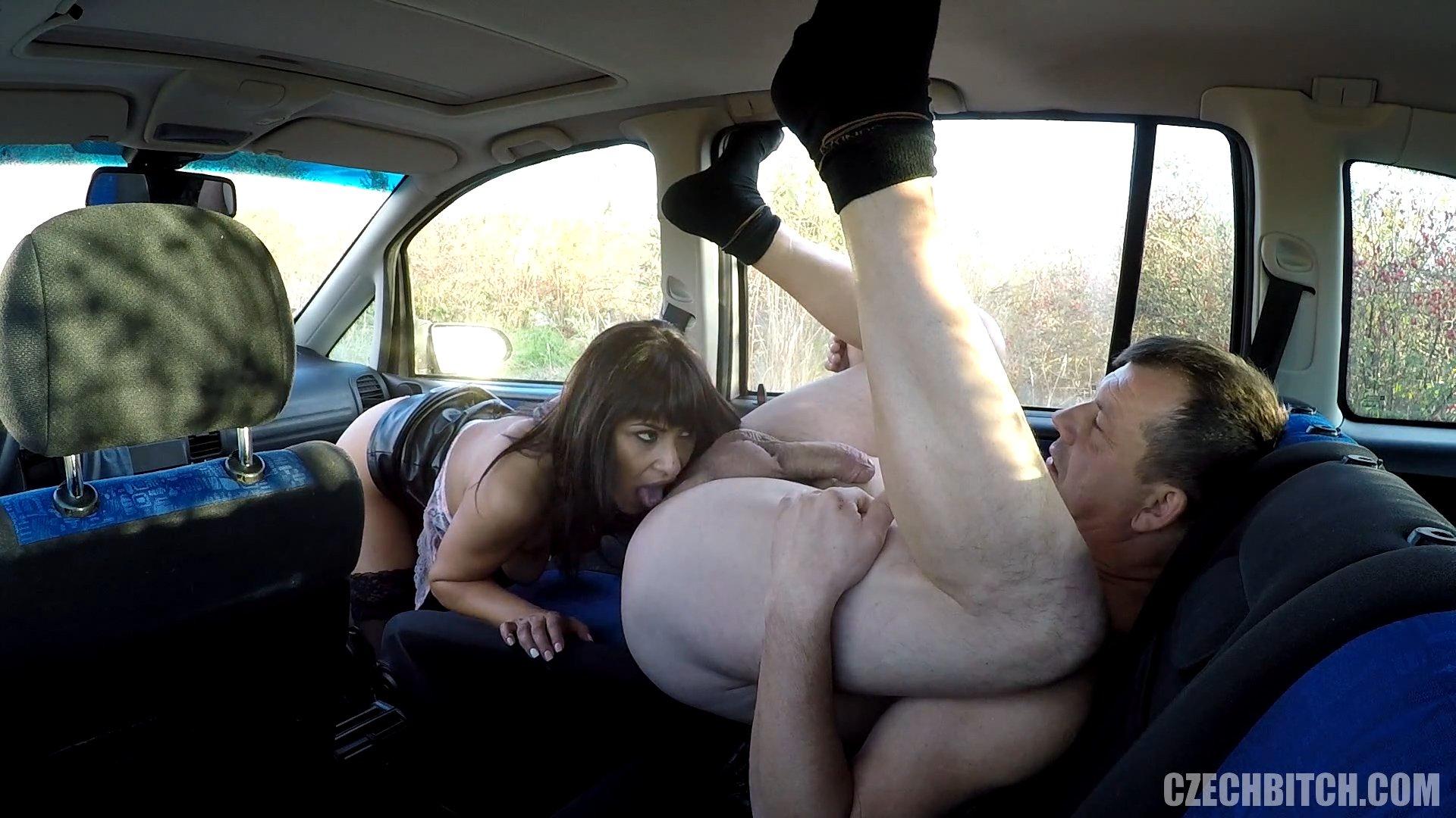 anal-razveli-prostitutku-na-seks-v-mashine-ero-seks