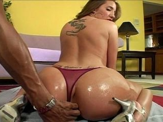 Kelly Divine Gets Fucked Pov Style By Justin Long