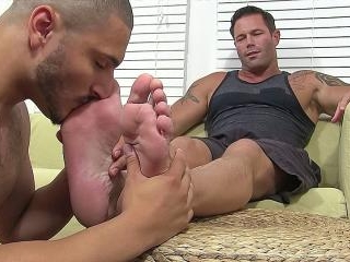 Zeak Worships Joey\'s Feet - Joey & Zeak